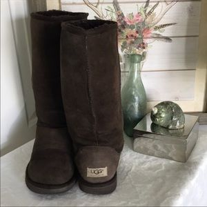 UGG classic tall 5815 chocolate boots W9